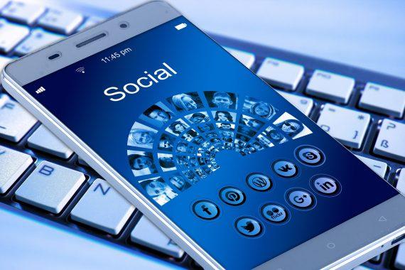 Bezpieczeństwo na portalu Facebook